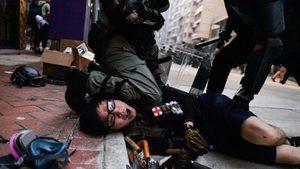 國殤日港警實彈鎮壓 104傷2危殆 最小11歲