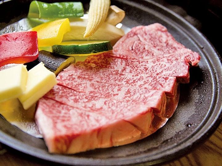 沒吃一次道地日本牛排,別說你來過日本!圖為兵衛向陽閣牛排。
