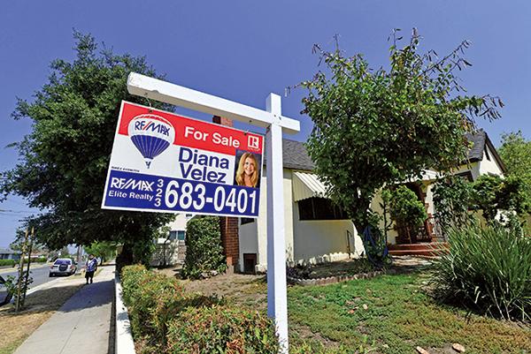 截至2018年9月底,美國房屋銷售連續六個月下降。待售房屋的不足推高了房價,使許多潛在的買主陷入困境。(AFP)