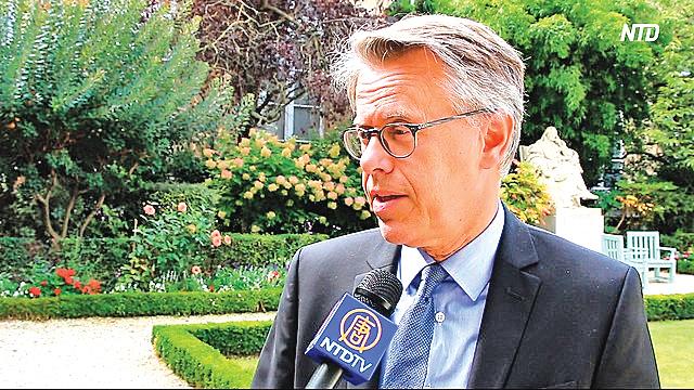 9月11日, 法國杜省議員埃里克‧阿勞澤特(Éric Alauzet)接受法國新唐人採訪。(新唐人電視台)