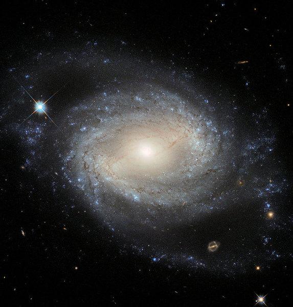 大量遙遠星系走向死亡 兩種可能原因
