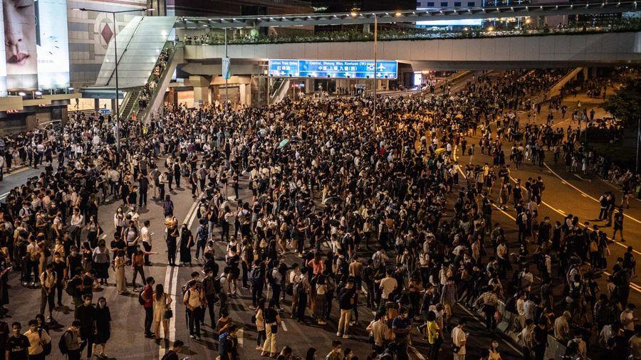10月4日,港府強推《禁蒙面法》再度引發全港各區抗議。(Laurel Chor/Getty Images)
