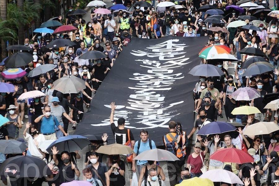 【10.5反禁蒙面法】港銀髮族反惡法支持學生