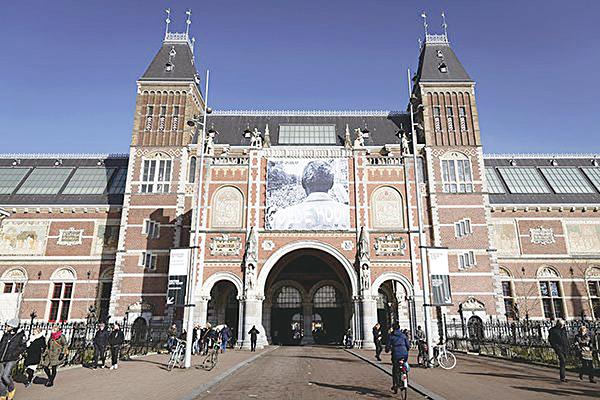 圖為阿姆斯特丹國立博物館(Rijksmuseum) 。(REMKO DE WAAL/AFP/Getty Images)