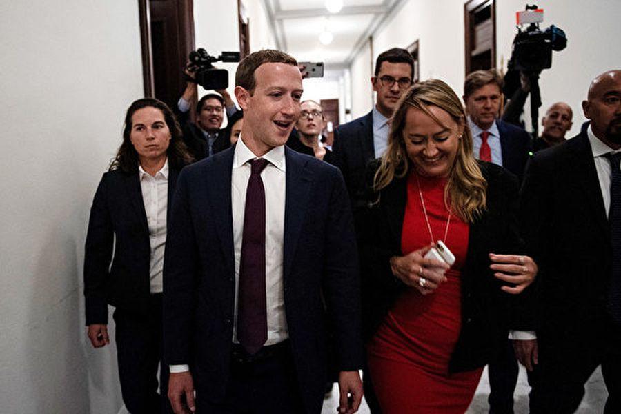 圖為2019年9月19日,臉書創始人馬克・朱克伯格(Mark Zuckerberg)前去國會山參加技術法規和社交媒體問題會議。(Brendan Smialowski/AFP)
