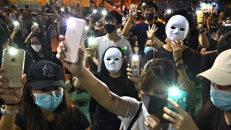 禁蒙面下一步?香港高官:不排除禁網