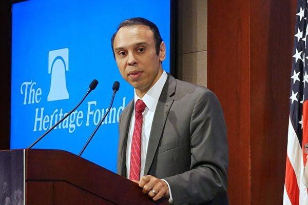 美國衛生與公眾服務部(Department of Health and Human Services)民權辦公室主任塞韋里諾(Roger Severino)(李辰/大紀元)