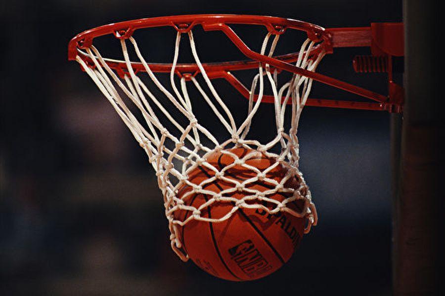 10月9日,上海體育總會取消了晚上NBA在上海的球迷之夜;大陸網絡平台及線下店舖停售火箭隊的相關產品。(Gray Mortimore/Getty Images)