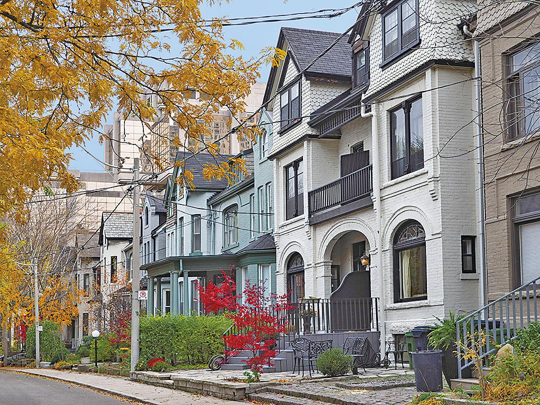 最新數據顯示,大多倫多地區9月份房屋銷量同比大增22%。(Shutterstock)