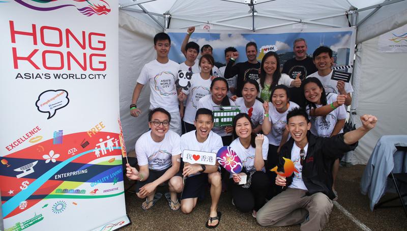 早前香港卓越獎學金計劃獲獎學生參與活動。(香港教育局)