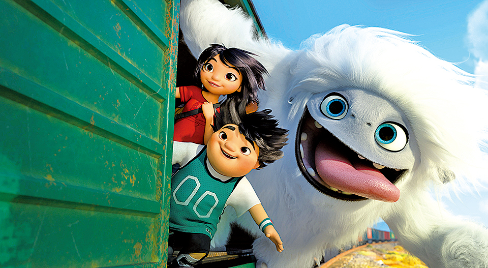女主角阿怡某日在自家公寓屋頂發現了一隻從實驗室脫逃的小雪怪,並將牠命名為雪寶。