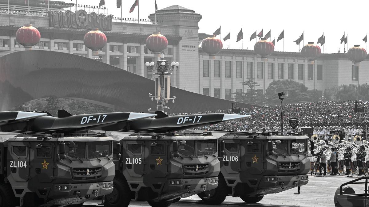 北京10.1秀「肌肉」 ,中美軍事博弈升級?圖為北京10.1閱兵現場。( Kevin Frayer/Getty Images)