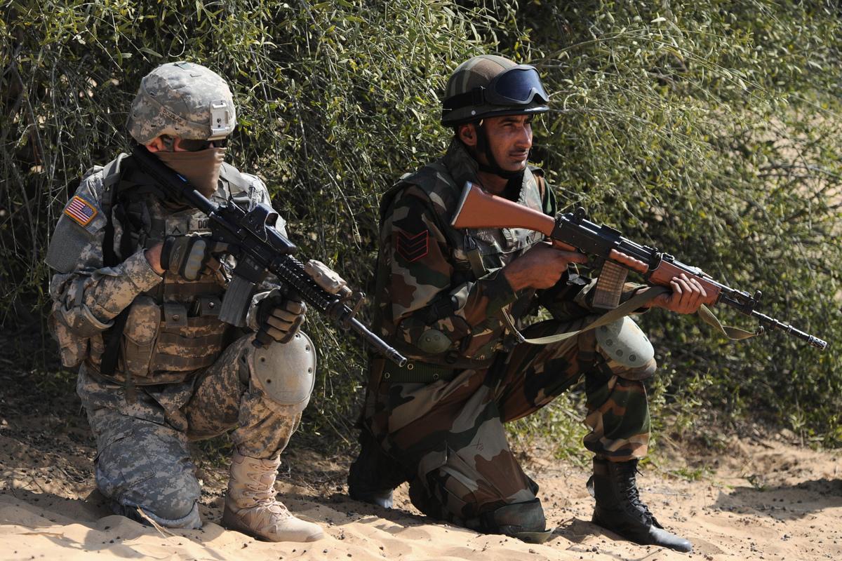 中印關係日趨緊張之際,印度正成為美國特朗普政府圍堵中共的包圍圈中重要一環,11月美印兩國將首次舉行跨軍種的三軍聯合演習。(AFP/Getty Images)