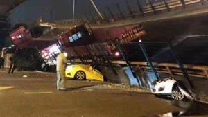 江蘇高架橋無預兆垮塌 多車被壓扁死傷難估