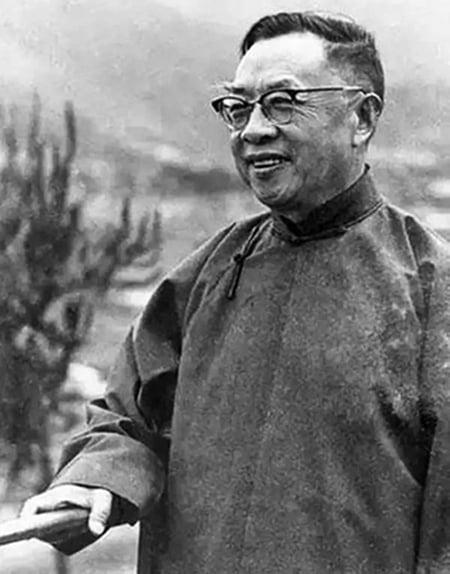 錢穆在1949年選擇離開大陸,到香港後,創辦了新亞書院。(網絡圖片)