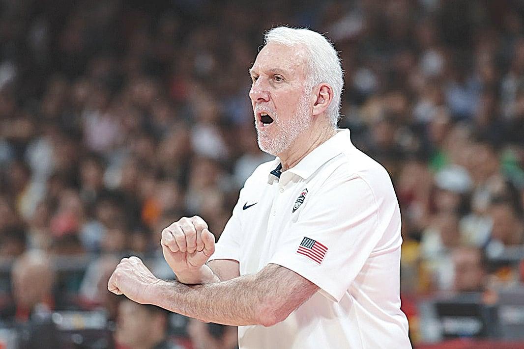 NBA 馬刺隊的總教練普波域治(Gregg Popovich) 讚揚總裁蕭華(Adam Silver) 捍衛言論自由。圖為2019 年9 月14 日普波域治在北京賽場上。(Lintao Zhang/Getty Images)