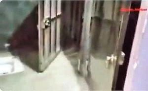 新疆集中營酷刑室內景曝光