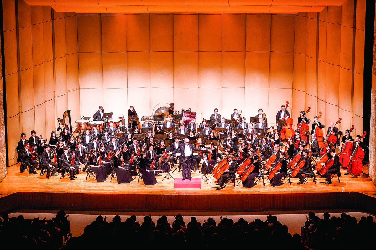 2019年9月30日晚間,神韻交響樂團於雲林縣文化處表演廳演出。(龔安妮/大紀元)