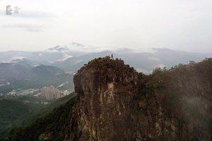 獅子山上民主女神像 承傳香港新精神