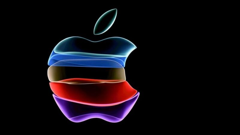 圖為2019年9月10日在加利福尼亞州庫比蒂諾的蘋果總部舉行的產品發佈活動開始之前投影在屏幕上的蘋果徽標。(JOSH EDELSON/AFP/Getty Images)