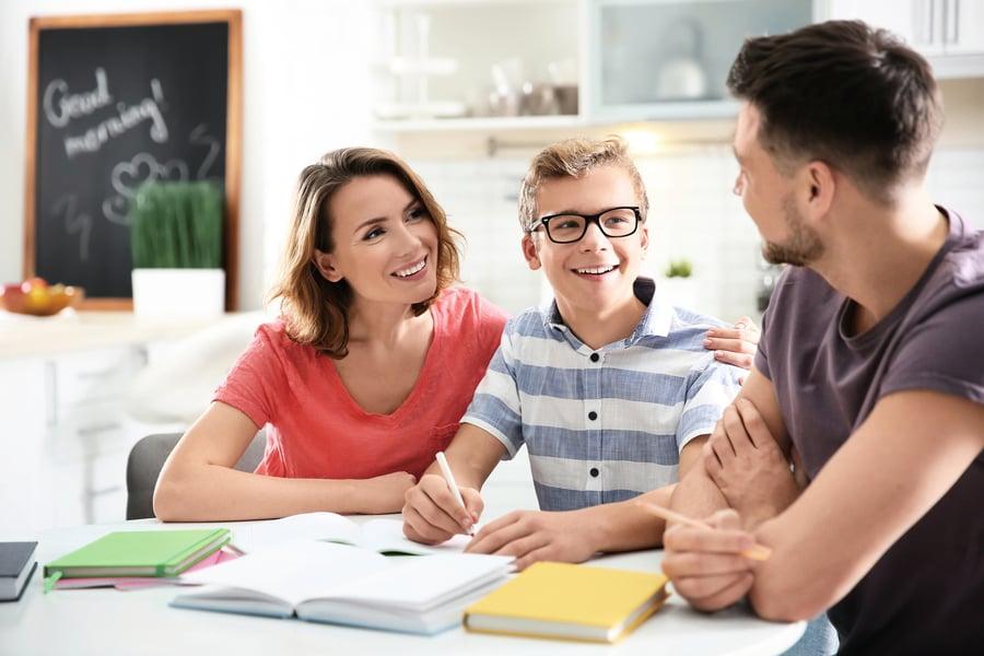 怎樣幫助孩子 提高在校表現?