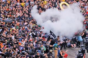 巴塞羅納爆警民衝突航班取消