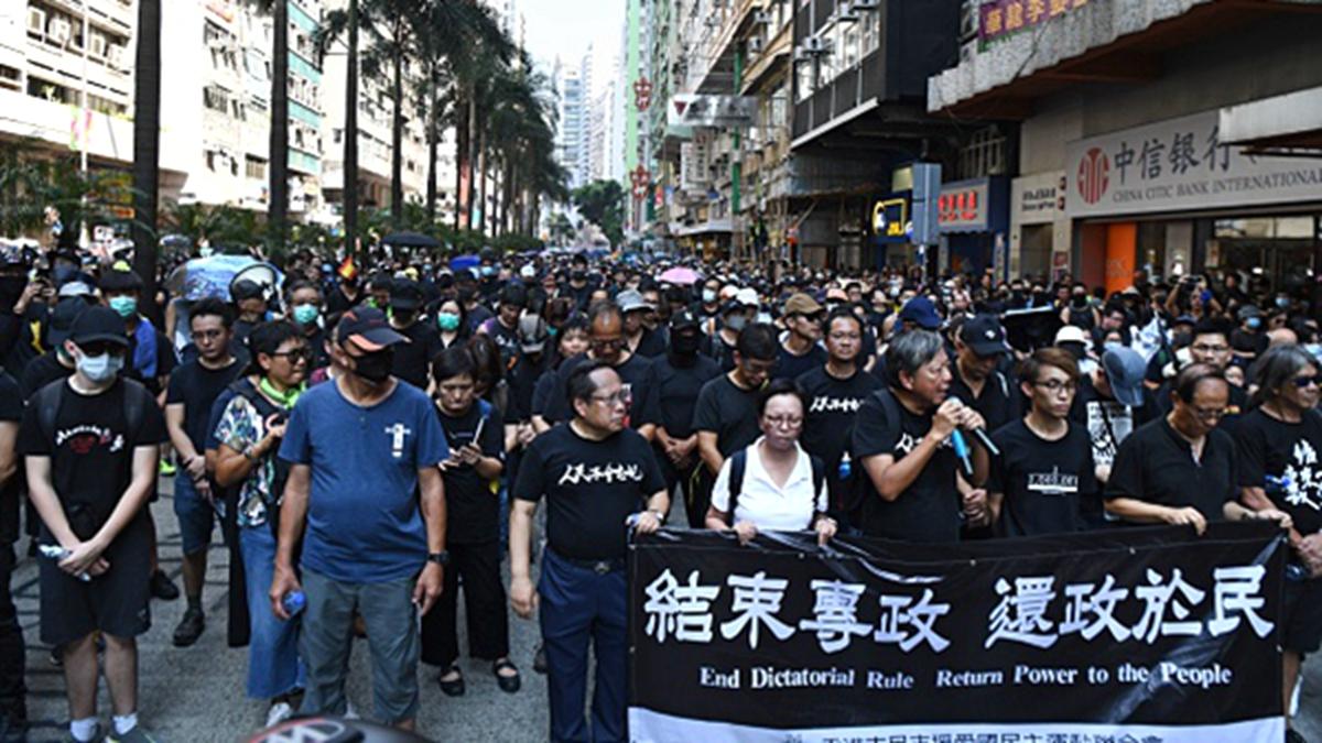 美國聯邦眾議院15日一致通過《香港人權與民主法案》、《保護香港法案》與《與香港站在一起》。(ANTHONY WALLACE/AFP/Getty Images)