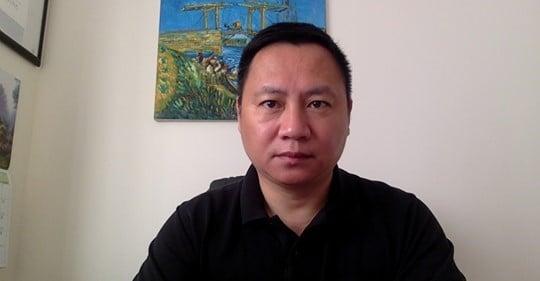 17日聽聞岑子杰遇襲,當年「六四學運」領袖王丹在社交平台發文譴責中共,「中共已經鐵了心,要讓港人血流香港了。」他說個人能力有限,現在只能做三件事幫助香港。(王丹Facebook)