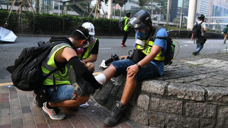 近幾週以來,受傷抗爭者的人數暴增,傷勢嚴重程度也在急遽增加。( MOHD RASFAN/AFP/Getty Images)