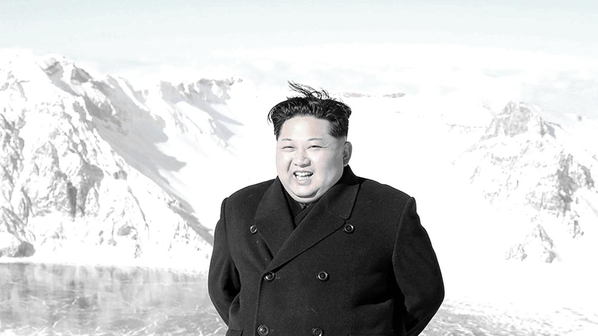 圖為2017年12月9日,金正恩到訪中朝邊境的白頭山。(AFP/Getty Images)