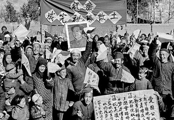 1949年底,董時進寫一封長信,直接向毛澤東進言,反對土改。但遺憾的是,信發出後沒有回饋,土改運動已狂飆突進,橫掃全國。(網路圖片)