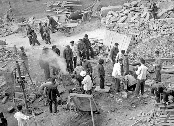 1949之後,土改、鎮反、整風、反右、文革……運動連番。在遍佈各地的勞改營中,到底有多少人死於非命?這些問題至今仍和董時光的死亡一樣是個謎。(網絡圖片)