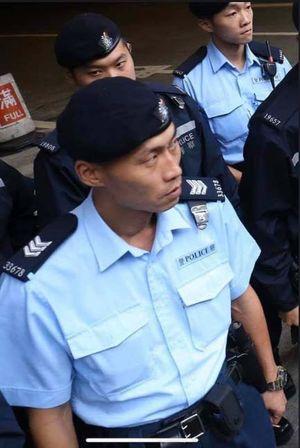 圖為網友搜索到的疑似33678號警員梁兆祥的真身,與親共港媒刊登的受傷「警察」在醫院的照片不符。(網絡圖片)
