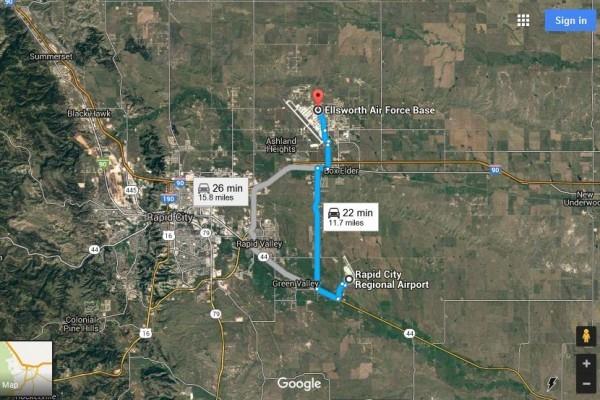 美一航班降錯機場 送130乘客到空軍基地