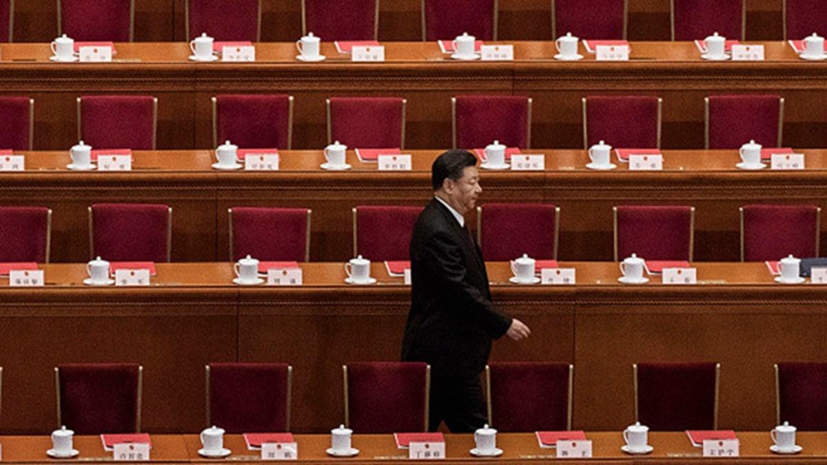 圖為中共現任最高領導人習近平2019年4月30日在北京大會堂出席一次官方活動時走上講台。(PHOTO BY ANDREA VERDELLI/GETTY IMAGES)