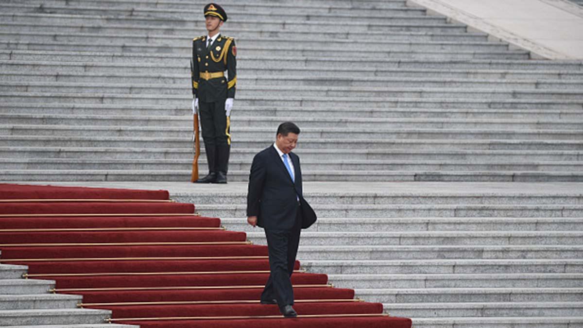 台媒分析,北京當局認為中美貿易戰不會如同香港危局和中共內鬥一樣迅速危及中共統治,因此寧願選擇拖延戰術。(Madoka Ikegami - Pool/Getty Images)