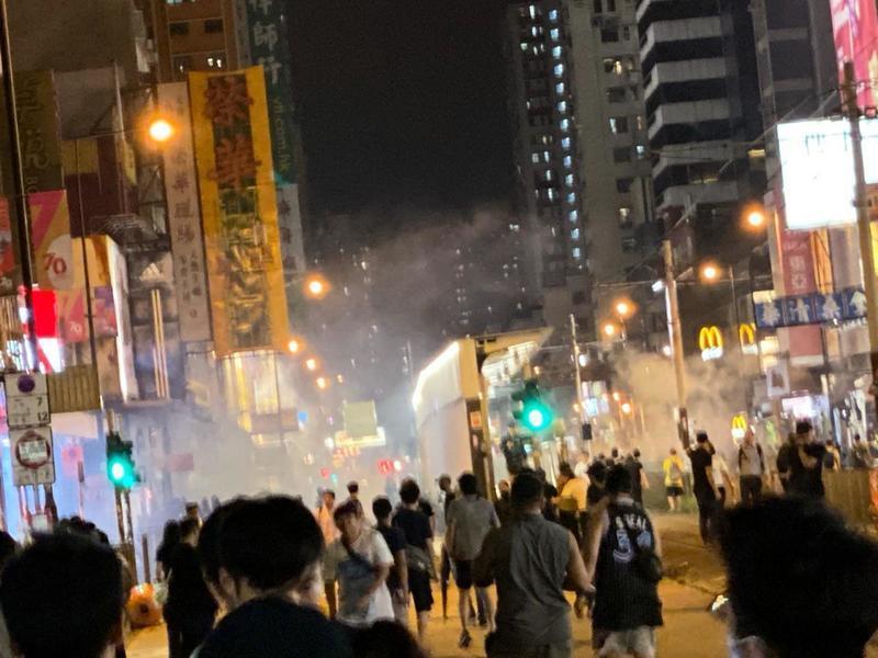 初次出來抗爭 11歲小學生:我是很怕的 但是香港人需要站出來