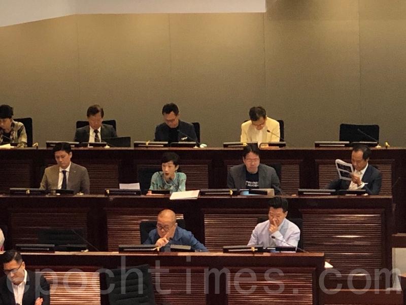 立法會《禁止蒙面規例》小組委員會昨日召開首次會議,選出正副主席,但仍未開始正式審議條例。(葉依帆/大紀元)