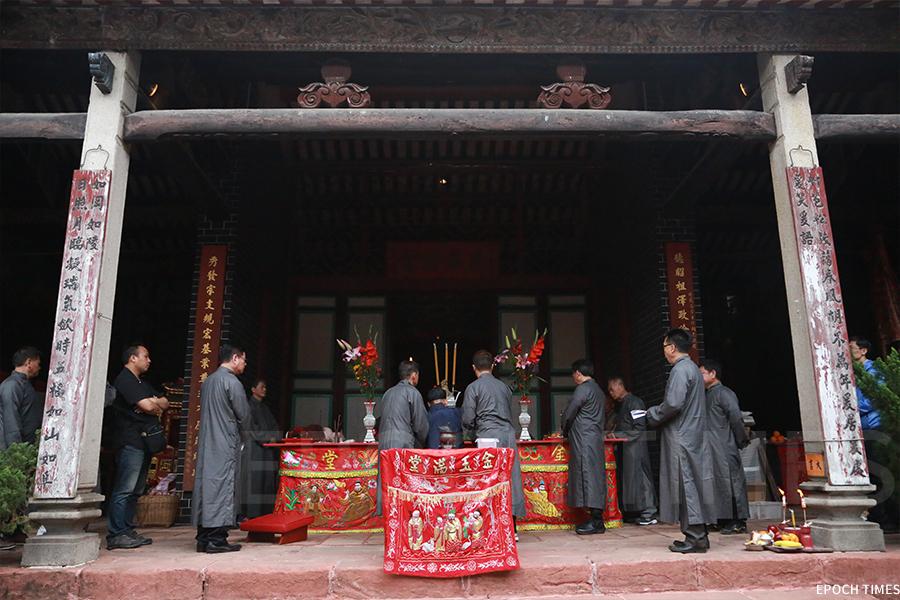 在每年的黃曆二月初二,上水廖族會齊聚廖萬石堂舉行祭祀儀式。(陳仲明/大紀元)