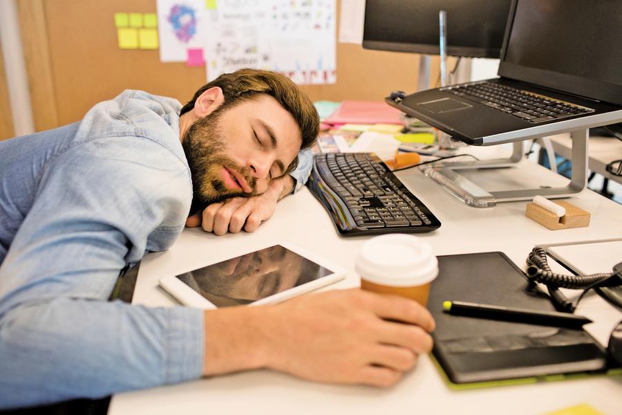 為何上班族需要午睡?