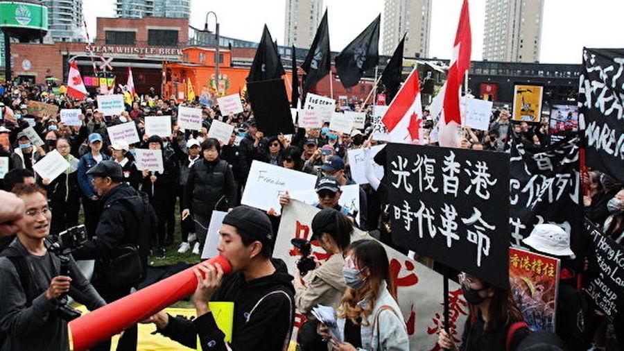 中共外交官說了四個字 遭澳洲學生憤怒起訴