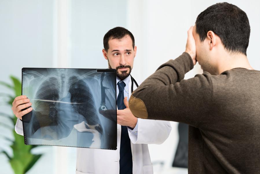 美國深陷電子煙害中 嚴重肺部疾病者已達千人