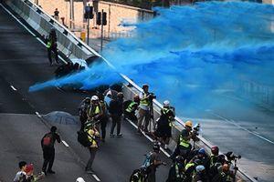 綠色和平:港警噴射的藍色液體或有毒