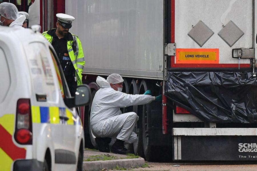 英國貨車內39人命案日前更多信息曝光。英媒稱,車內發現很多血手印。(BEN STANSALL/AFP via Getty Images)