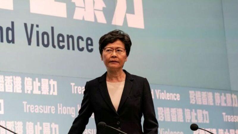 林鄭月娥出席行政會議前被問到,有關北京有意撤換她的話題時,她還強調,中央政府一直都支持她做特首。 (Anthony Kwan/Getty Images)