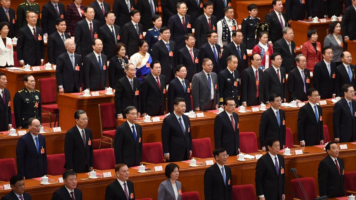 北京通報,四中全會正在召開,有分析說,由於中共權鬥激烈,此次全會兩條路線或攤牌。(GREG BAKER/AFP/Getty Images)