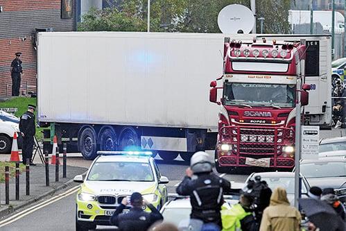 英國貨車39屍案司機,被控39項罪名。圖為案發現場。(Getty Images)