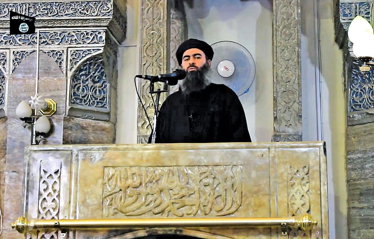 伊斯蘭國首腦巴格達迪早年向信眾講話的影片截圖