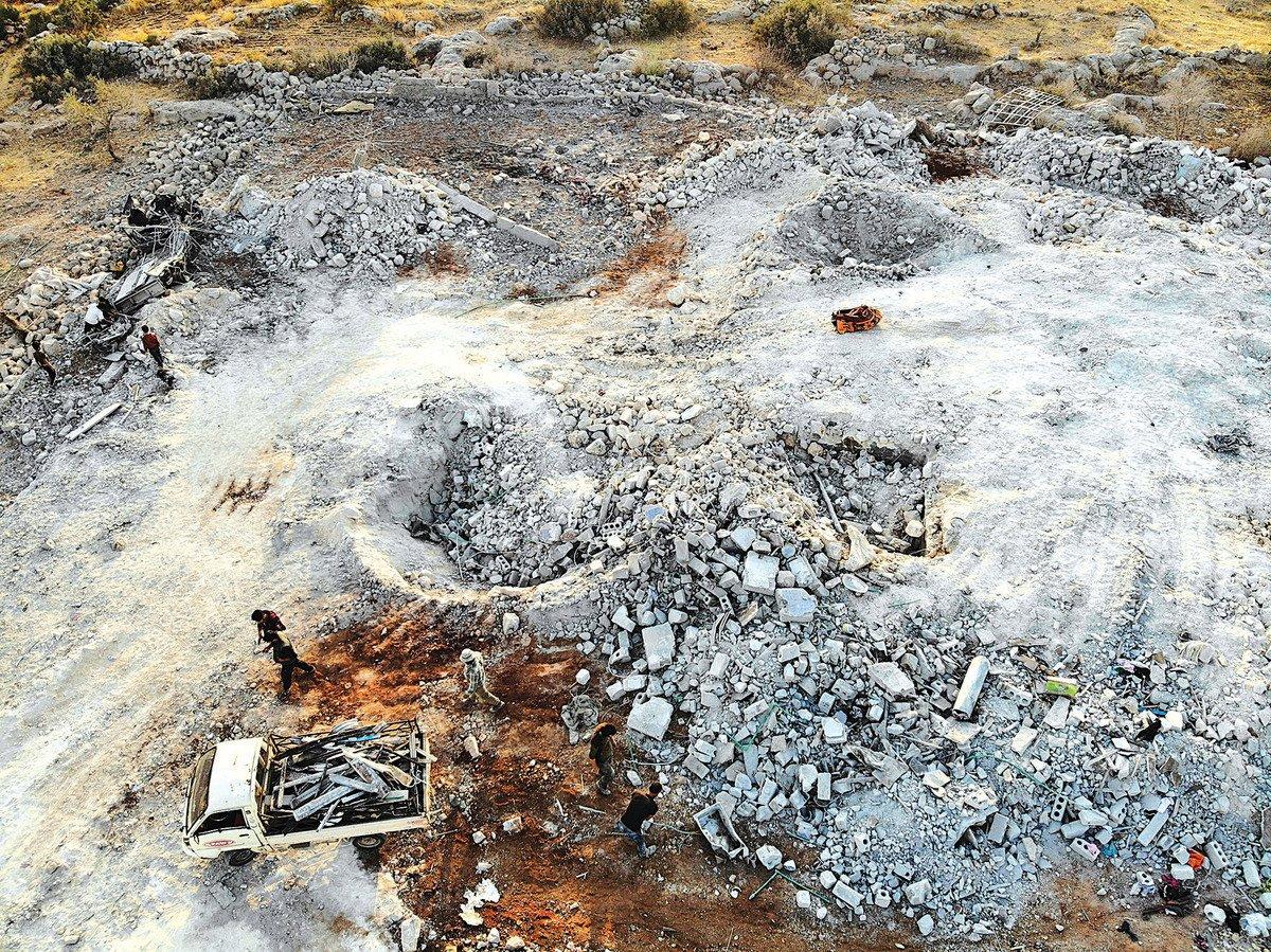 伊斯蘭國首腦巴格達迪藏身地26日被炸後的廢墟(AFP)