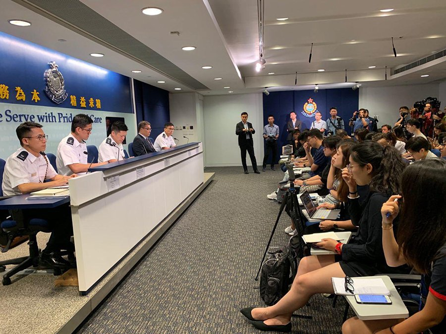 2019年8月19日下午,香港警方舉行記者會。(駱亞/大紀元)